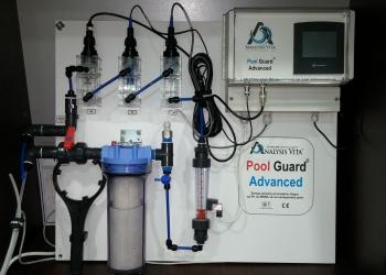 Διάταξη Pool guard advanced για πισίνα. Αυτόματη χλωρίωση και ρύθμιση Ph και θερμοκρασίας.